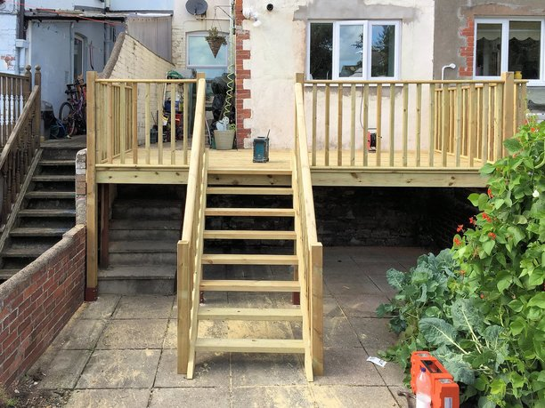 Decking extension to rear of house in Barnstaple