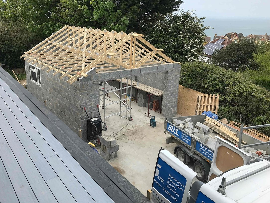 Detached large garage with slated pitched roof in North Devon